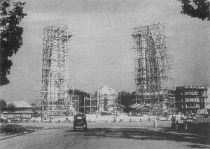 Democracy Monument under construction